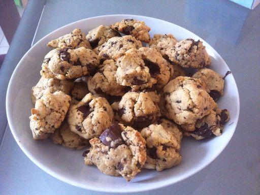 Cookies aux pépites de chocolat et beurre de cacahuète - Recette de cuisine Marmiton : une recette