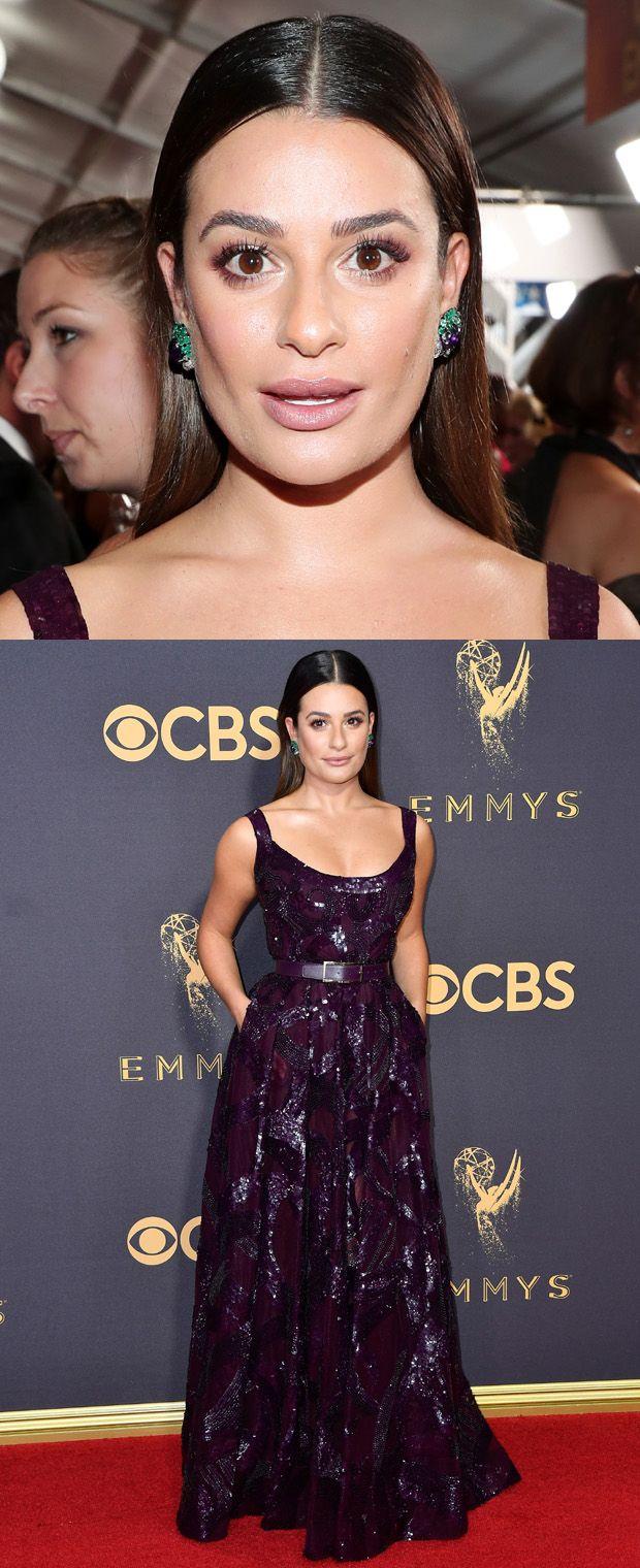 Lea Michelle ficou elegante em um vestido roxo  Elie Saab combinado com esmeraldas Lorraine Schwartz