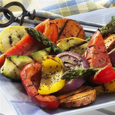 Mixed Vegetable Grill: Enhance the grilled flavor of vegetables with this lightly sweet and spicy blend of seasonings. Serve with poultry, meat or fish.