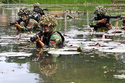 Kenapa Militer Indonesia ditakuti: Karena punya pasukan Para ...