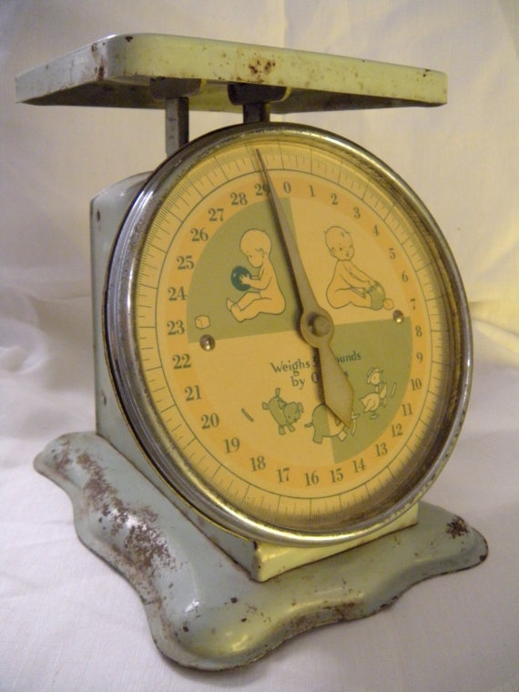 Adorable 1950s Vintage Mint Green Baby Scale