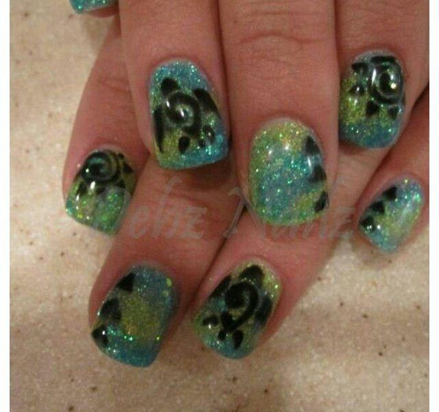 Turtle nail art/design