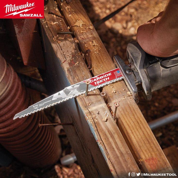 Η λεπίδα Ax με δόντια απο καρβίδιο μπορεί να κόψει μεταξύ άλλων  Ξύλο, καρφιά, βίδες, Γύψο Milwaukee Electric Tool Corporation  https://www.milwaukeetool.com/accessories/cutting/48-00-5226
