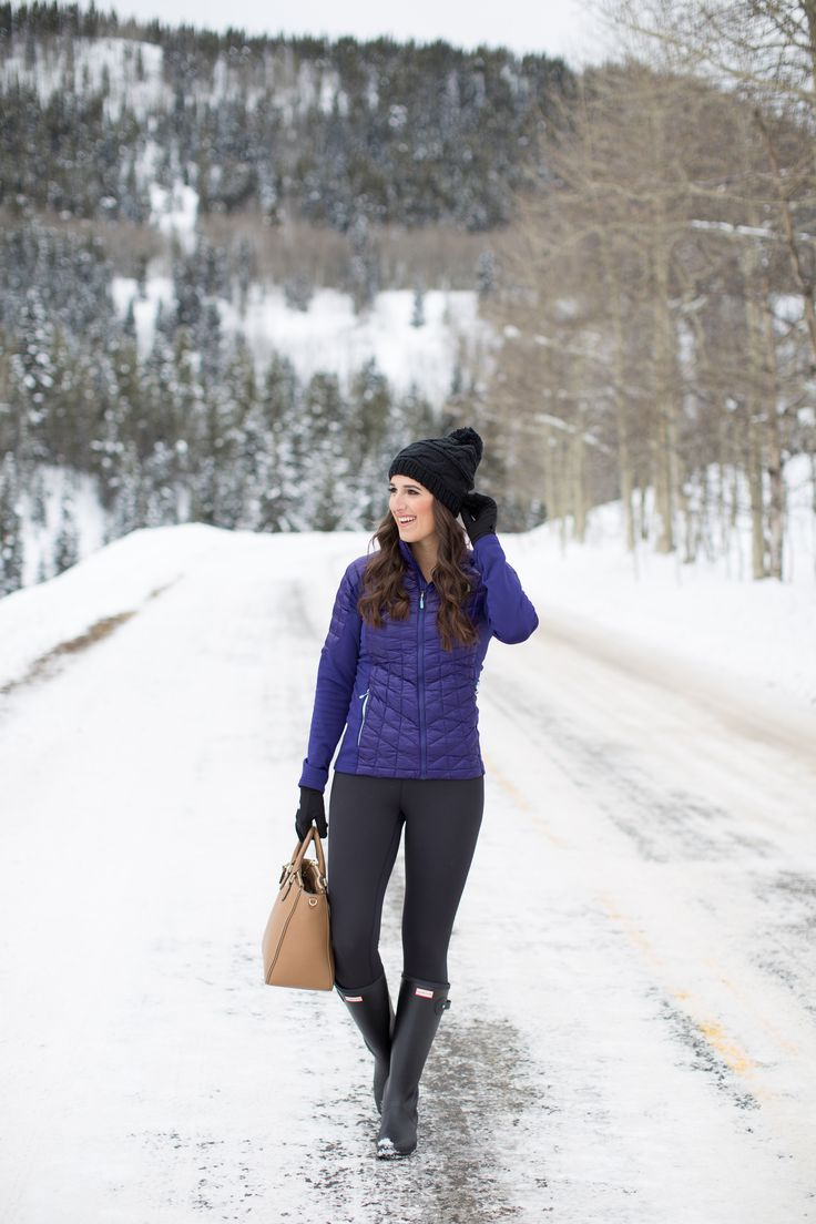crested butte colorado, winter style, winter fashion, the north face thermoball jacket, black beanie, hunter boots, snow outfit // grace wainwright from a southern drawl