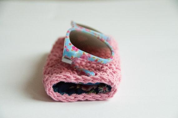 Easy crochet pattern sunglass case. $5.00, via Etsy.
