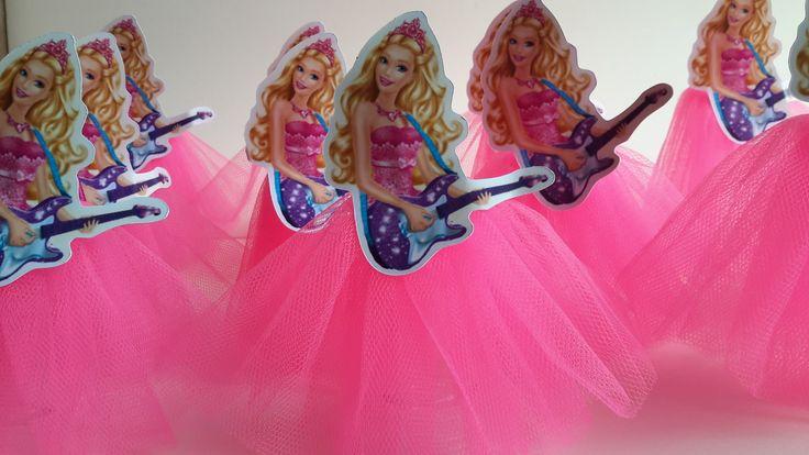 Lindos tubetes decorados no tema barbie pop star. <br>a saia e em tule! Linda! <br>Fazemos todos os temas....
