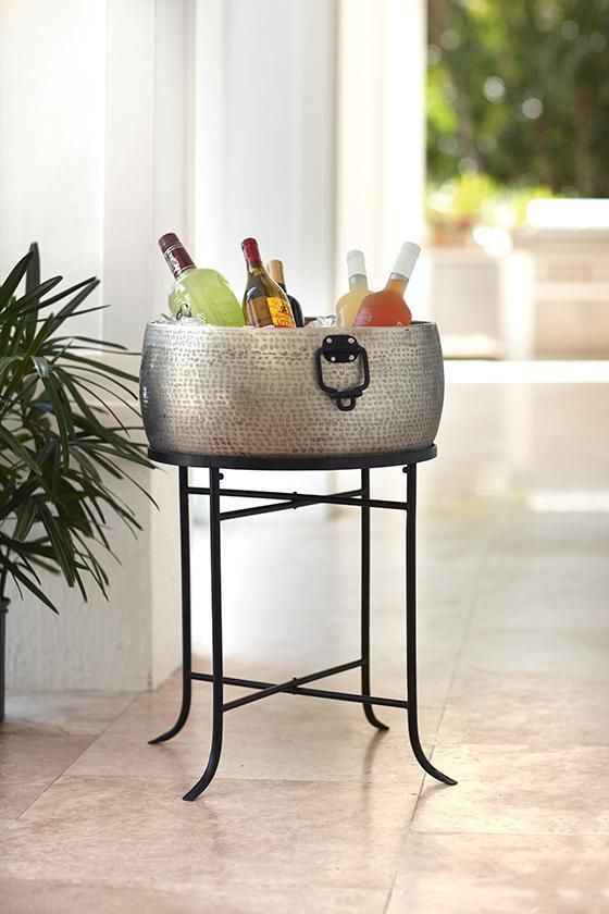 Round Beverage Tub with Stand