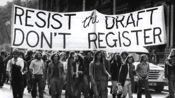 39 лет назад президент США Джимми Картер извинился от лица государства перед всеми, кто не желал воевать во Вьетнаме. Многие уклонявшиеся от призыва были вынуждены бежать в Канаду.  #история #США #Америка #ВьетнамскаяВойна