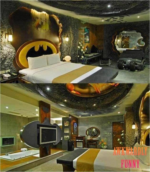 Hahaha, OMG look at this batmans room