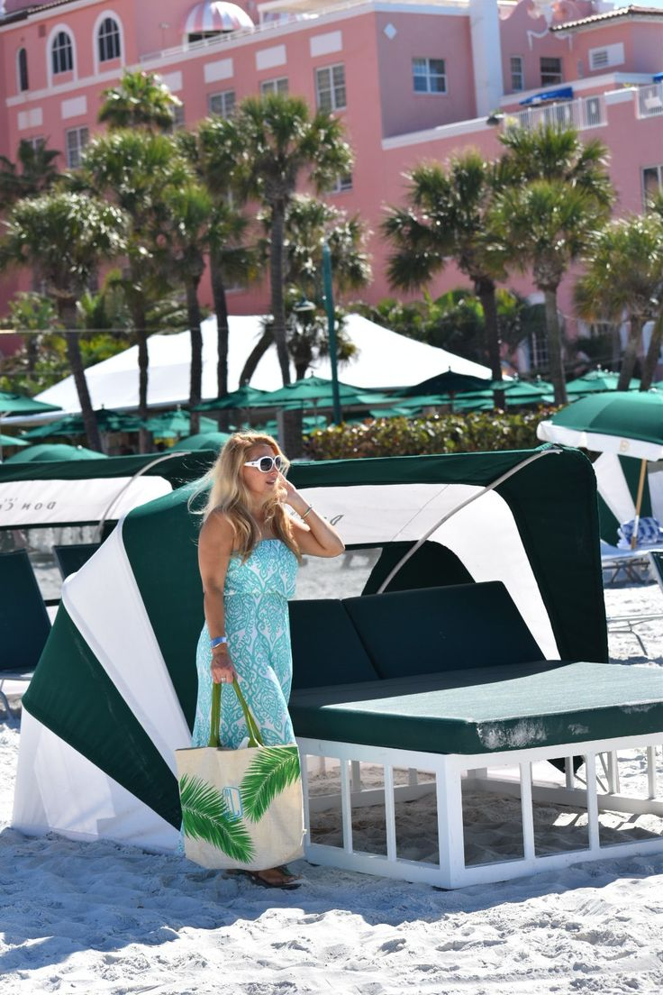 maxi dress | vacation outfits | beach outfits | spring style | summer style | maxi dress outfits | white sunglasses | classic style | casual style | stylish outfits | boho style INSTAGRAM: Jenn Truman @jtstjtst11