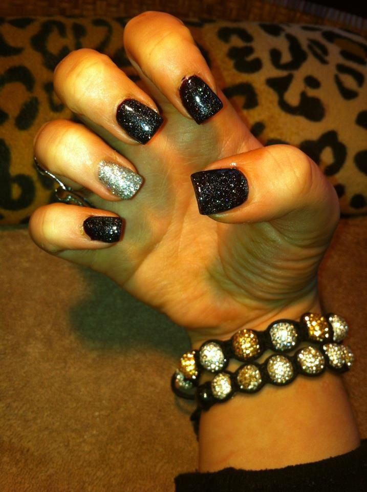 Black and silver glitter gelish nails