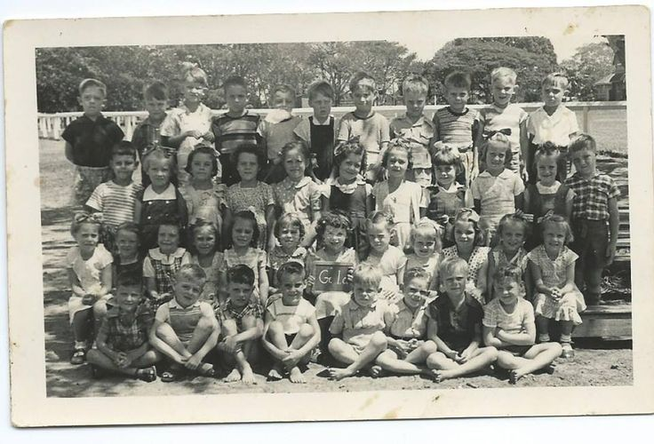 Maryborough Central State School, Year 1, 1952 Photo courtesy of Patricia Fielding