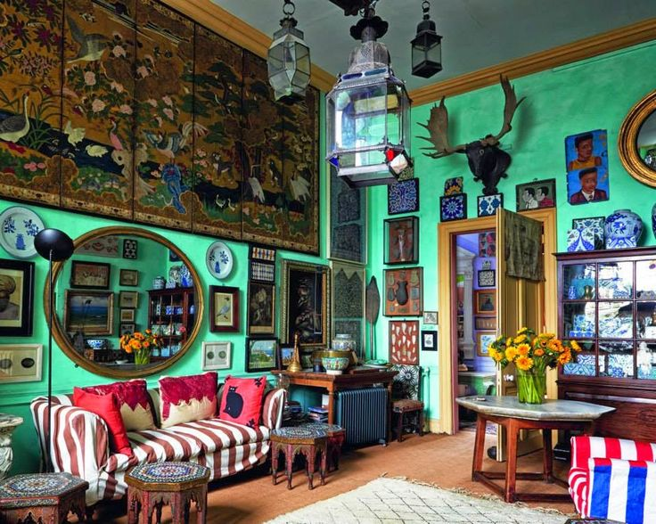 Peter Hinwood's drawing room, from Ros Byam Shaw's English Eccentric