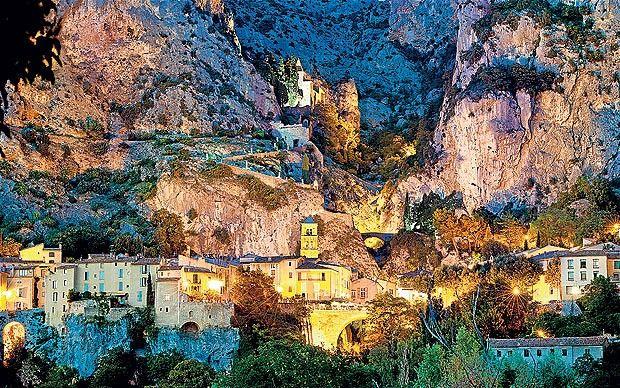 | Moustiers St Marie | Gorges du Verdon | Alpes de Haute | Provence-Alpes-Côte d'Azur | France |