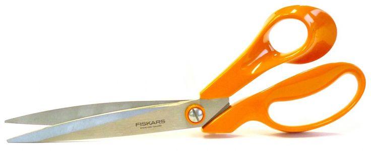Fiskars Classic Tailor Shears Ψαλίδι fiskars φιλανδίας κοπής υφασμάτων. Διαθέτει λεπτές και αιχμηρές λεπίδες ιδανικό για λεπτομέρειες και ακριβείς κοπές. Υψηλής ποιότητας ανοξείδωτο ατσάλι. Μέγεθος: 11'' 27cm