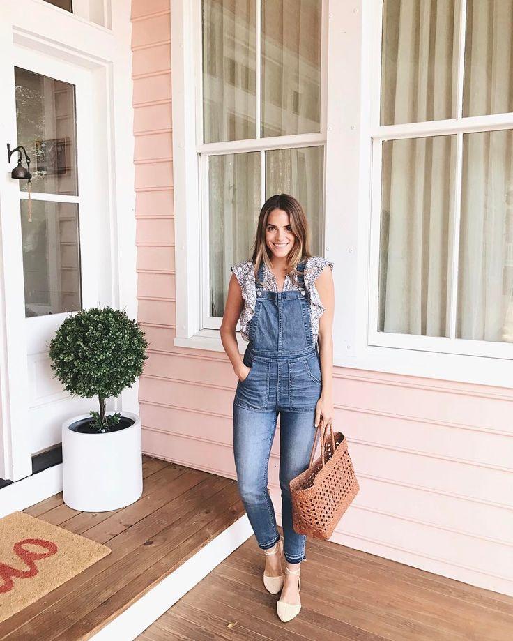 Julia  Engel, Gal Meets Glam in Charleston, SC