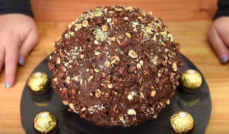 Σας έχουμε δείξει πως να κάνετε πανέυκολα σοκολατάκιαferrero Rocherσας έχουμε δείξει το αμαρτώλο γλάσσοferrero Rocher,τα υπέροχα cupcakeferrero Rocher, παγώτο ferrero Rocher ήρθεη στιγμή να σας δείξουμε την ποιο αμαρτωλή βόμβα για το μπουφέ σας που