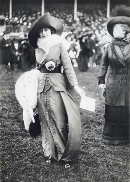 holdthisphoto:  1906