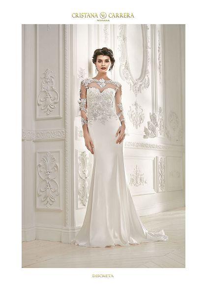 """Wedding Dress """" Discreta"""" available in off white color,size 36/38uk tel.+27(0) 215564880"""