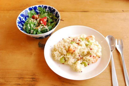 【クラシコムの社員食堂】ブルーのお皿にフレッシュな野菜。 – 北欧雑貨と北欧食器の通販サイト | 北欧、暮らしの道具店