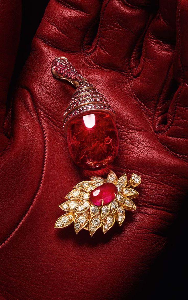 Vogue.ru Sermoneta Gloves High Jewellery