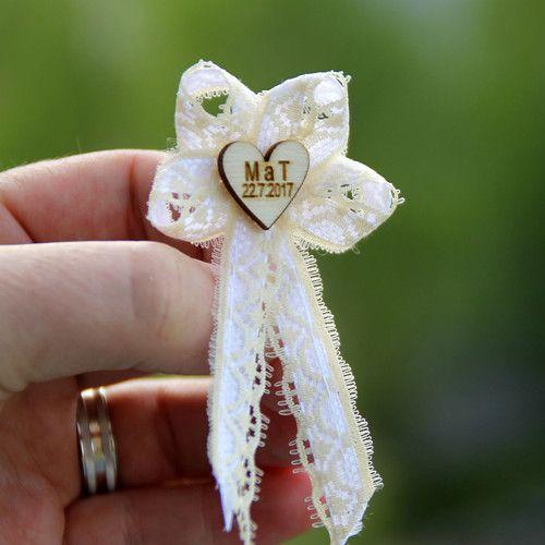 Svatební mašlička ČTYŘLÍSTEK s iniciály v srdíčku