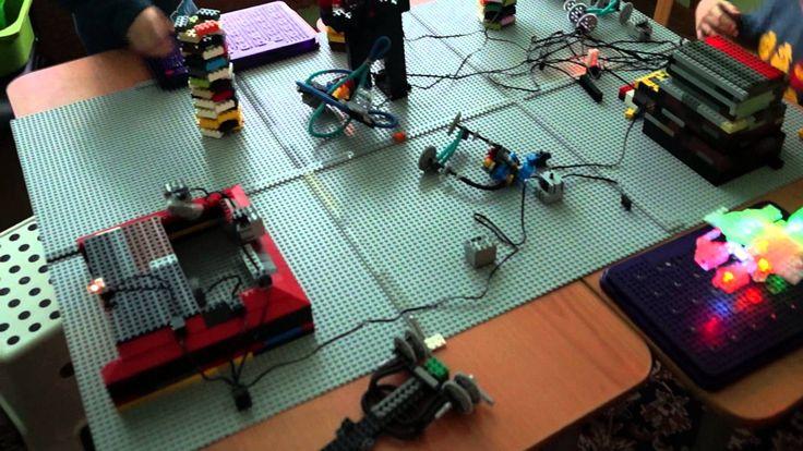 Космическая станция из конструктора Lego и Laser Pegs