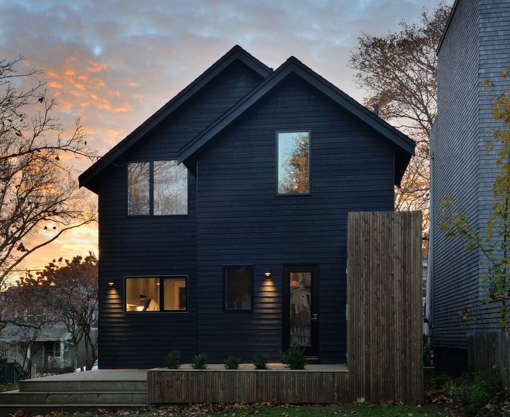 Completed in 2016 in Halifax Regional Municipality, Canada. Images by Julian Parkinson . The aim of this project was to redesign and reconstruct the envelope of a dated home in Halifax's West End. Over the decades this residence was the...