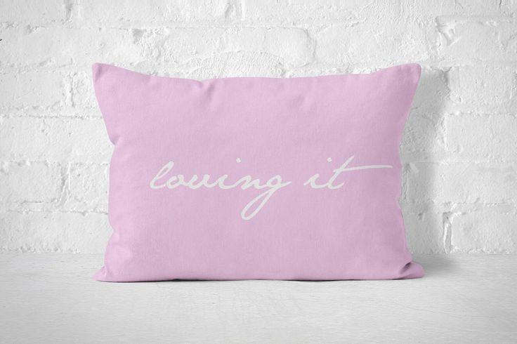 Poszewka na poduszkę w kolorze różowym