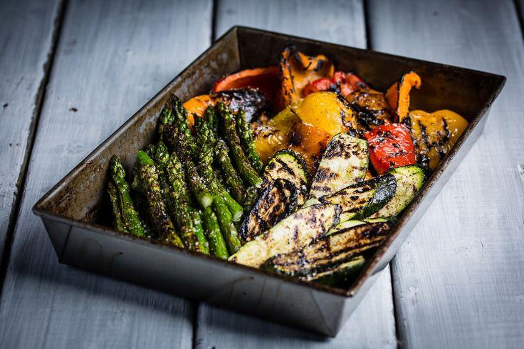 Friands de légumes grillés? #mangeraveclesyeux #bouffe #bbq #légumes #vegetables #sante #foodporn #healthy #food #summer #oser http://ow.ly/qYoM3019ksl