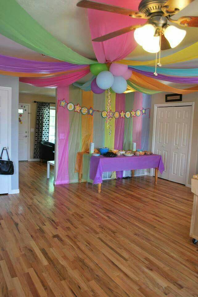 Attractive Decorating With Plastic Tablecloths   Party Decorating Ideas