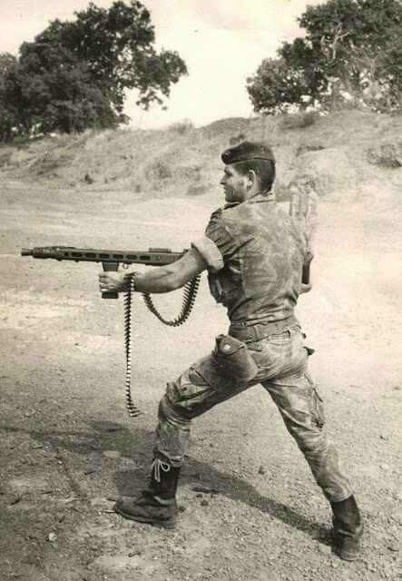 Portuguese soldier with MG42 machine gun- African Colonial War 1961-74