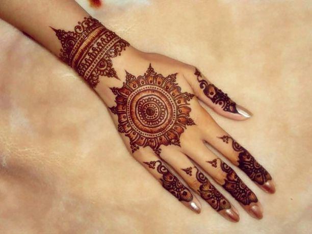 Dulhan Circle Mehndi Designs For Hands Fashion Mehndi Designs
