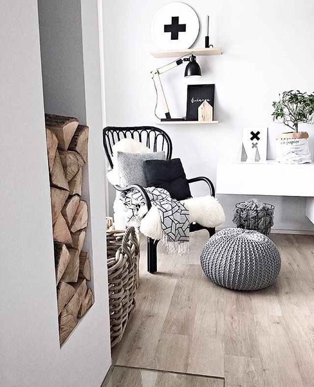 I literally love it when it pours down with rain it makes me feel so calm.... And what better place would there be to enjoy it than in a lovely little nook like this by @kajastef 🙊🙊 totally jealose you have a fire place right now 😩😩 Cost sheepskins perfect for all year round 👌🏻👌🏻