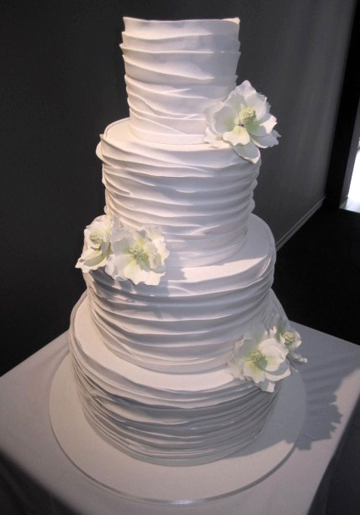 #Wedding #cake Wrapped in icing