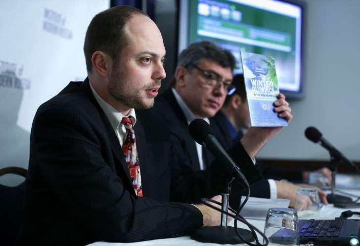 Kremlin critic Vladimir Kara-Murza (left) joined Boris Nemtsov in 2014 to condemn corruption at the Sochi Olympics