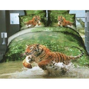 Wyjątkowa #pościel 3D Tygrys w rzece 160 x 200 cm Niezwykle realistyczny wzór 3D. Widok tygrysa biegnącego po rzece przenosi nas na wakacyjną wyprawę. Pościel uszyto z tkaniny o wysokiej jakości przędzy. Komplet zawiera poszwę i dwie poszewki. Zestaw zapakowany w ładne pudełko. Taki komplet to dobry pomysł na prezent. Dostępna na stronie: kasandra.com.pl