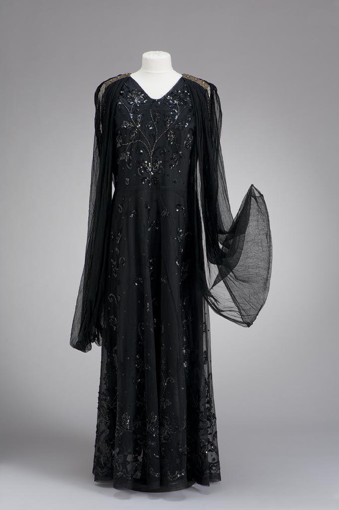 Evening Dress: ca. 1930, Hungarian, beaded georgette.