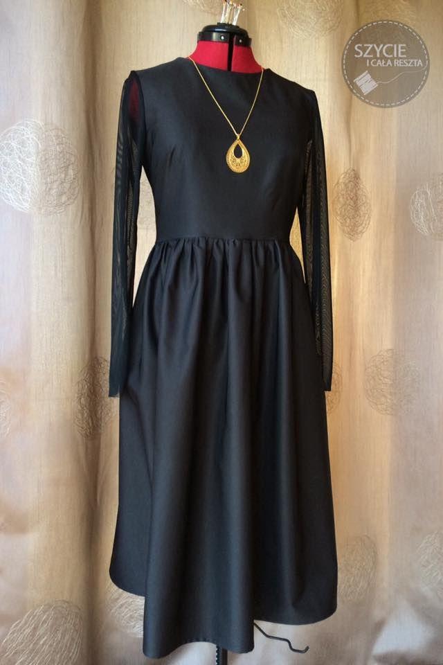 Klasyczna mała czarna. Classic little black dress.