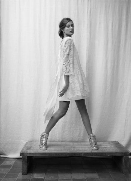 Robe courte de mariée en dentelle - Robe: Rhum Raisin collection 2015 modèle Rose #bridaldress #robecourte #shortweddingdress