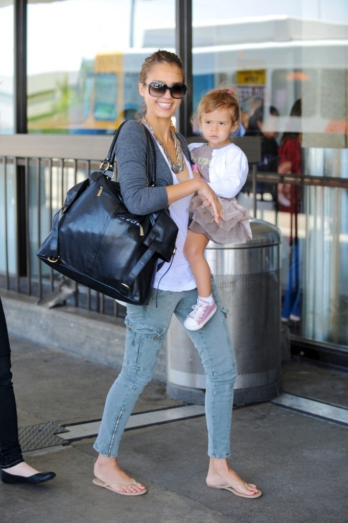 37 best images about celebrity product spotting on pinterest free diapers minis and baby jogger. Black Bedroom Furniture Sets. Home Design Ideas