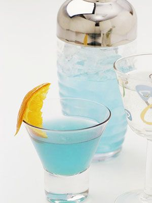 Mocktail  Pick a blue-hued signature drink -- like this Blue Heaven Mocktail -- to toast the mama-to-be. Since Blue Curacao Liqueur is what you usually use to get that clear blue color, cheat by tinting any soda or virgin cocktail blue with a few drops of food coloring.    4 ounces white cranberry juice  1 ounce ginger ale  Blue food coloring: Shower Ideas, Blue Color, Baby Boy Shower Drinks, Food, Boys, Sprinkle, Mocktail, Ginger Ale, Baby Showers