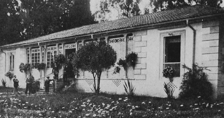 Casa de Salud de Marly, en 1918. Estaba situada en el camino entre Bogotá y Chapinero. Tenía capacidad para atender 50 pacientes al día.