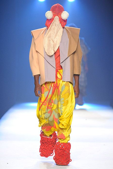Claire Michel collection royal academy of fine arts antwerp, tricolor triangle jacket monster flower pants Sprayfun