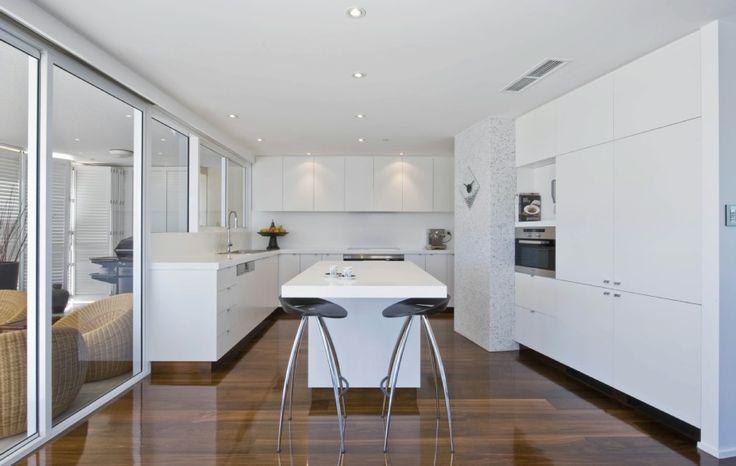 White kitchen w semi dark laminate
