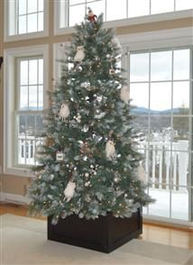 Gorgeous, handcrafted tree boxes made in Center Harbor, NH. yankeetreebox.com