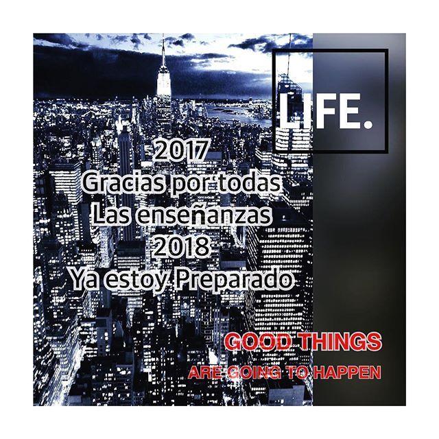 El 2017 Nos deja con mucho aprendizaje...... ya estoy listo para el 2018 y Tu?? Happy New Year‼️ ❄️🎁 ••••••••••••••••••• #albertofinol #miamirealestate #luxuryhomes #expensivehomes #investor #wholesaleproperties #decor #design #miami #investment #justlisted #justsold #newhomes #motivation #realtors #newlisting #homesforsale #1010brickell #preconstruction #newconstruction #inspiration  #milliondollarlisting #luxuryrealestate #luxuryliving #expensivehomes #sales #flippinghouses #flipping…