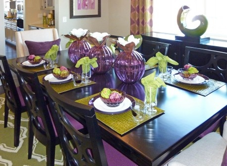 Amazing Purple Dining Room With Cutlery Set And Chairs
