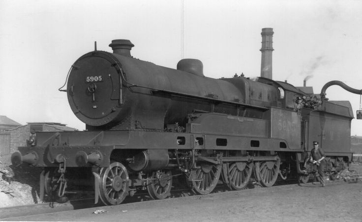 LMS Claughton Class 4-6-0 5905 'Lord Rathmore'