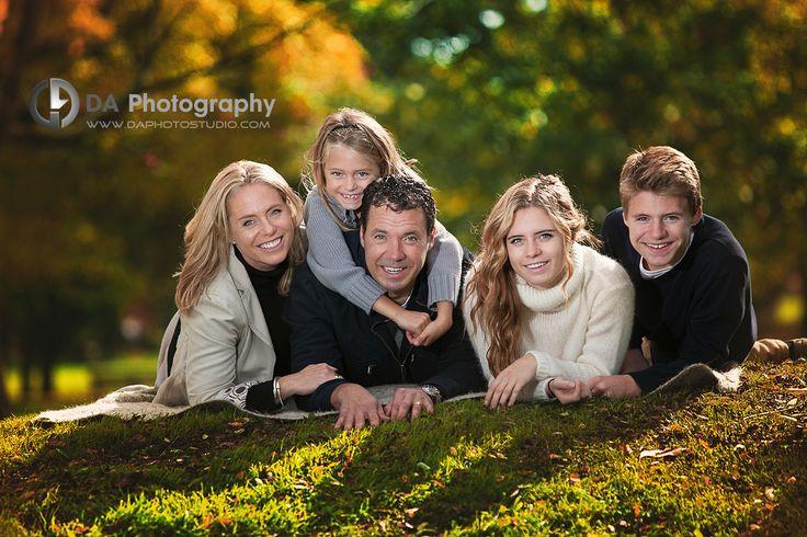Ending pose for family portrait - Family Photographer, Dragi Andovski